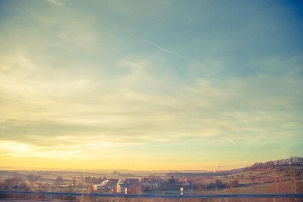 冬が訪れた街の景色