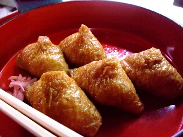 三角の稲荷寿司