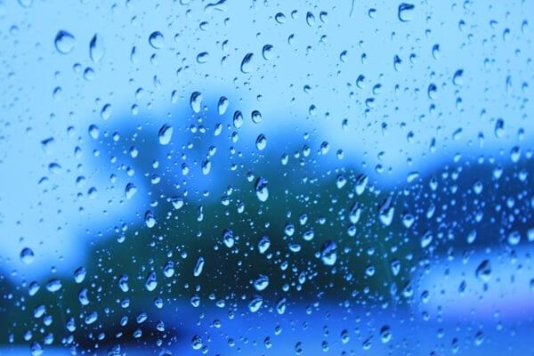 夕方の雨降り