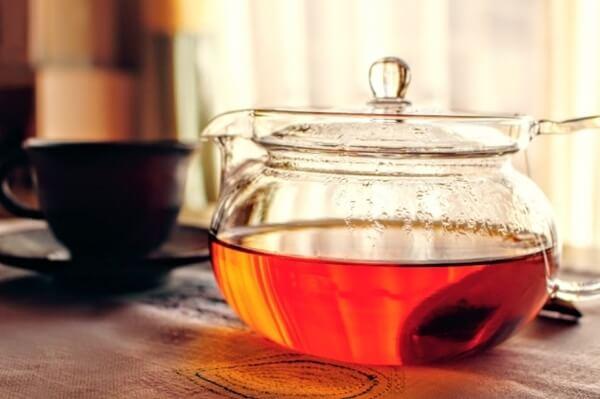 ガラスの急須とお茶