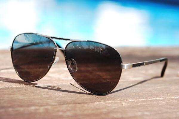 かっこいいサングラス