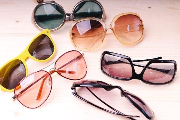高級品のサングラス