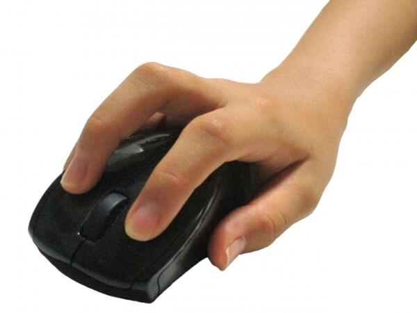 マウスと手