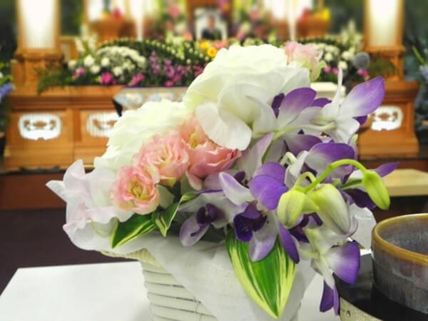 葬儀のお供えの花